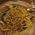 spaghetti di farro al pesto di pistacchi