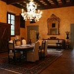 ...Il salone principale della villa...