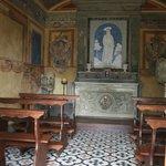 ...L'interno della Chiesetta...