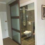 Salle de bains de la chambre 8