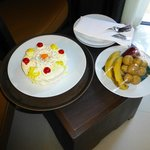 Our honeymoon cake and fruit on arrival
