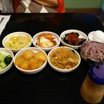 Refill free Side Dishes (Bunchan)