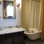 Juliette Gordon Low Bathroom