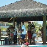 Clase de Forro con animador Rafael, en la piscina