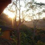Sonnenaufgang von der Bungalowterrasse aus gesehen
