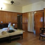 Unser großes Zimmer