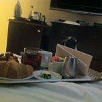 Delicious roomservice with continental breakfast
