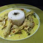 Pollo al curry con arroz