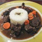 Ciervo guisado con arroz
