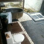 bale kambang 3's semi outdoor bathroom