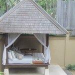 day bed cabana