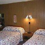 Yankee Trail Motel