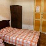 Bedroom, 2 twin beds, lower floor