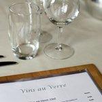 Wine by the glass/ sélection de vins au verre