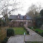 le cottage au calme, au fond du jardin