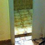 la porta del bagno..