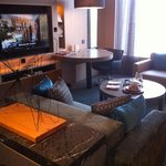 executive suite: the lounge