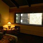 1036 Willow Inn large center piece window