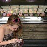 zoe eating gelato