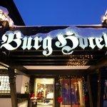 Eingang zum BURG Hotel