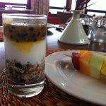 yogurt con cereali e frutto della passione