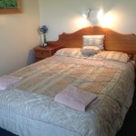 Gumnut queensize bedroom