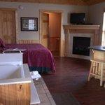 bed, bath, tv, breakfast bar