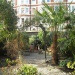 L'adorable petit jardin du Jesmond hotel.