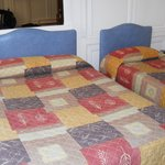 Double bed and twin bed in quad room