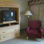 le meuble TV n 'est pas face au lit
