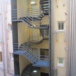 la vue imprenable sur un escalier de service