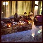 вечерний дворик, музыка и свечи