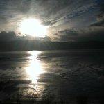 部屋から見えた諏訪湖の夕日