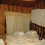 A  room with bano privado ensuite private bathroom