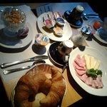 een groot ontbijt voor twee personen. Prima!
