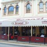 Foto de Scoozi Cafe Bar