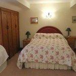 Old Dairy Cottage bedroom
