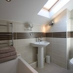 Talbot Lodge B&B, Bicester - Double/Twin room bathroom