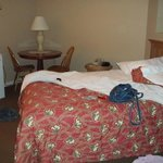 2nd bedoom (queen bed)