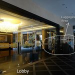 The lobby and place for deposit your luggage