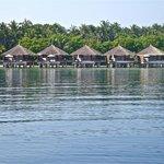 vista della water villas dalla barca