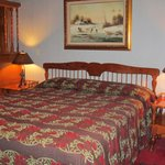 Swiss Chalet Room Bed