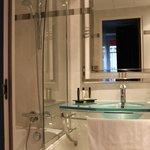 El baño impecable siempre y con buen servicio de agua caliente
