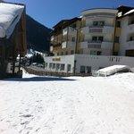 Si arriva con gli ski....
