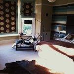 Room 1 - master bedroom suite.