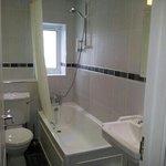roomD bathroom