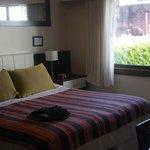 El dormitorio, amplio y luminoso
