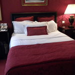 The double bed (American full size)