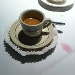 Unnecessary double saucers and paper doily