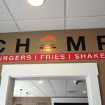 Foto de Chomp Burgers Fries and Shakes